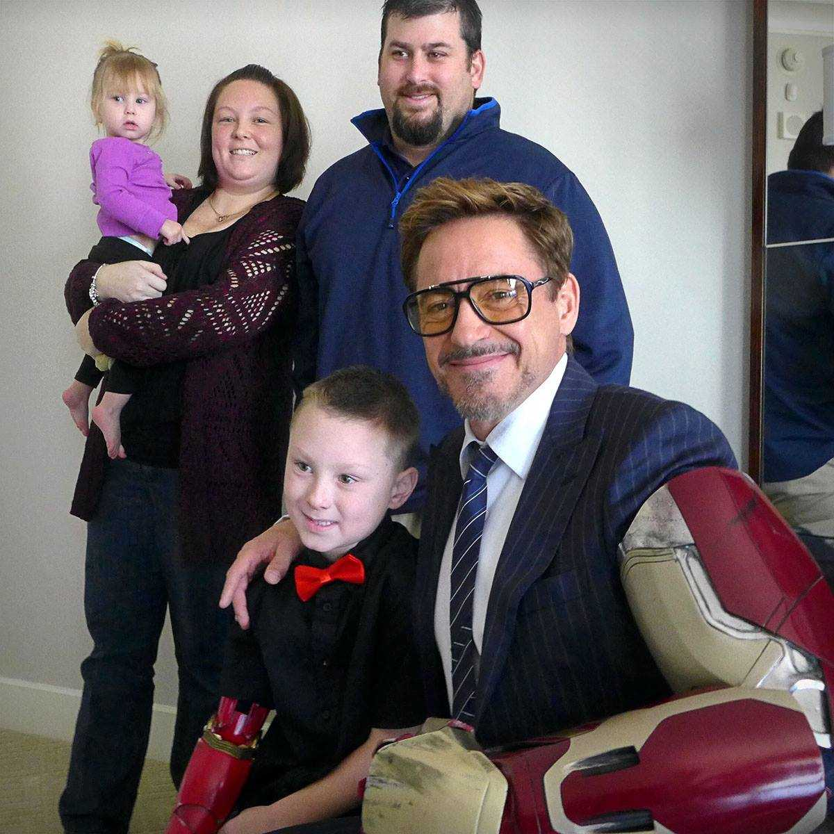 robert-downey-jr-3d-printed-prosthetics-for-children